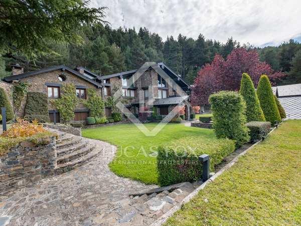 Huis / Villa van 1,500m² te koop in La Massana, Andorra