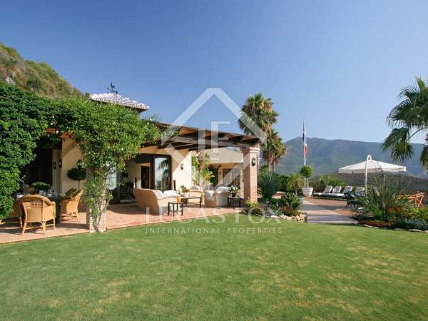 Spectacular 4 bedroom hilltop villa for sale in Benahavis