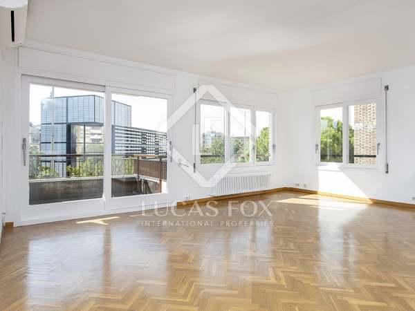 Appartement van 185m² te huur met 8m² terras in Tres Torres