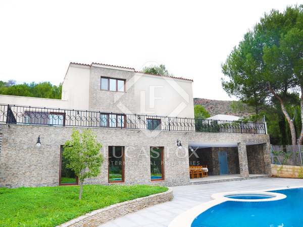 702 m² house with 80 m² terrace for sale in Playa Sagunto