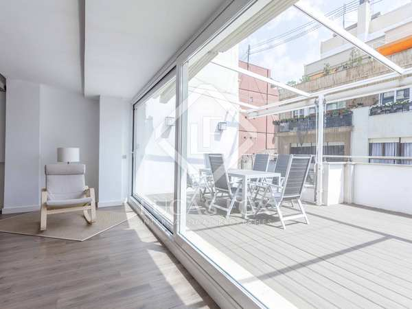 200 m² penthouse with 30 m² terrace for rent in Gran Vía