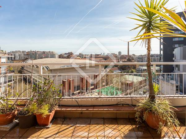 114m² Penthouse with 13m² terrace for sale in Eixample Left