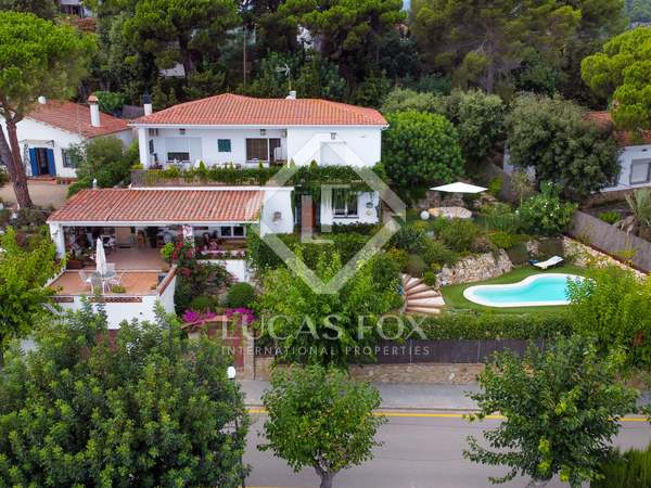325m² House / Villa with 700m² garden for sale in Sant Pol de Mar