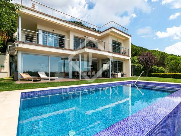 350m² House / Villa for sale in Cabrils, Barcelona