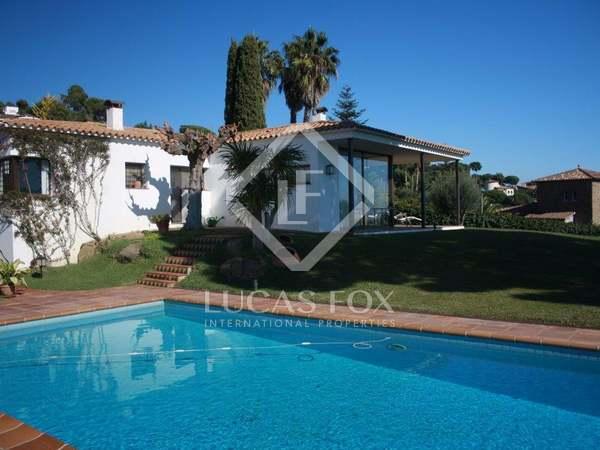 Costa Brava villa for sale in Torre Valentina with sea views