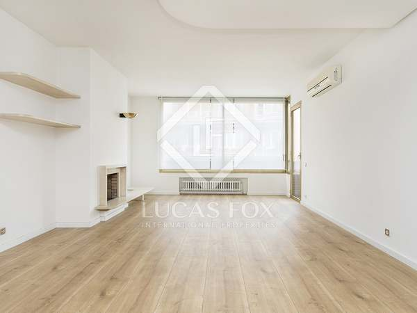 140m² Apartment with 20m² terrace for rent in Turó Park