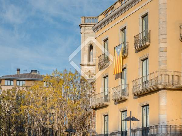440 m² duplex for sale in the centre of Girona