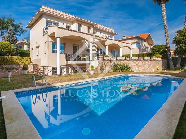 Elegant detached villa for sale in Vilassar de Dalt