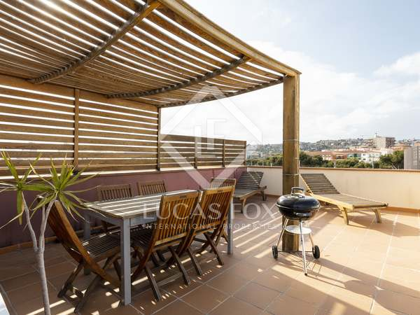 70 m² penthouse with 50 m² terrace for sale in Sitges Town