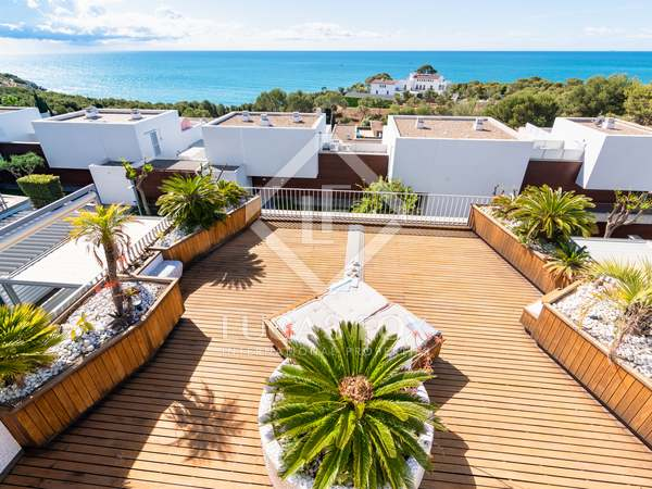 104m² Apartment with 120m² terrace for sale in Els Cards