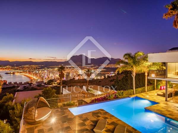 750m² Hus/Villa till salu i Alicante ciudad, Alicante