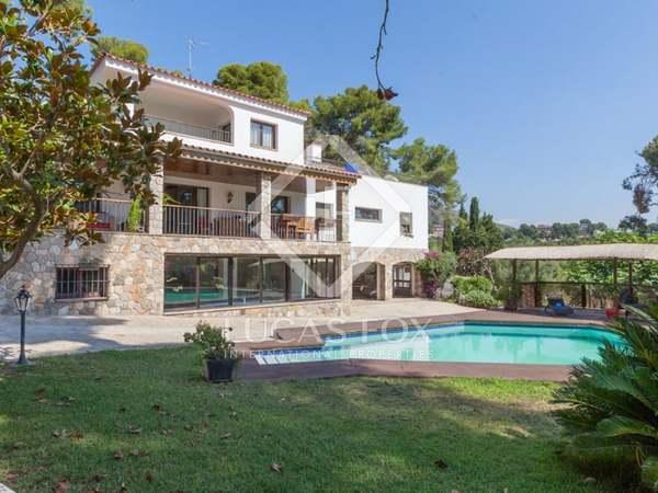 Maison / Villa de 719m² a vendre à Bellamar, Barcelona