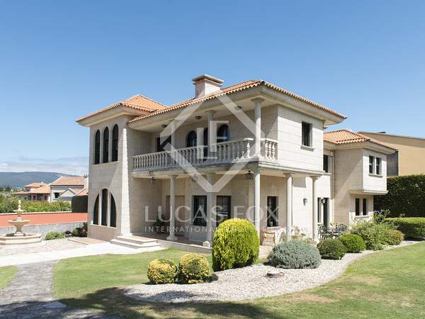 Huis / Villa van 617m² te koop in Pontevedra, Galicia