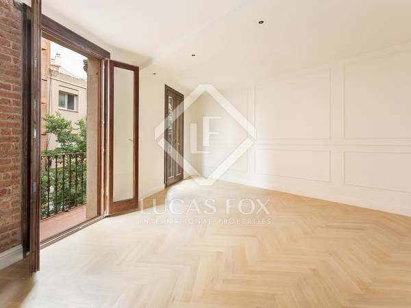 70m² Apartment with 34m² terrace for sale in Sants