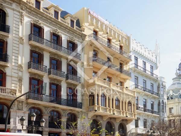 Loft a reformar en venta con vista a Plaza del Ayuntamiento
