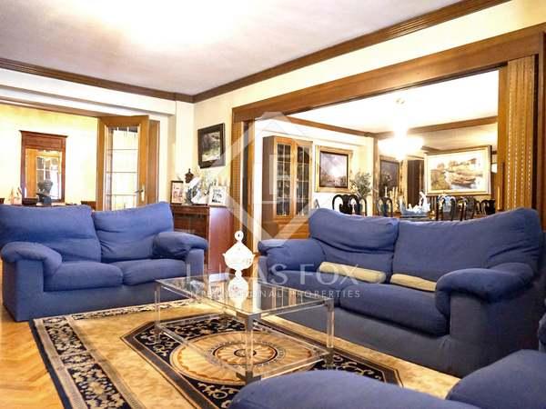 Apartamento de 261 m² en venta en Pla del Remei, junto a Colón