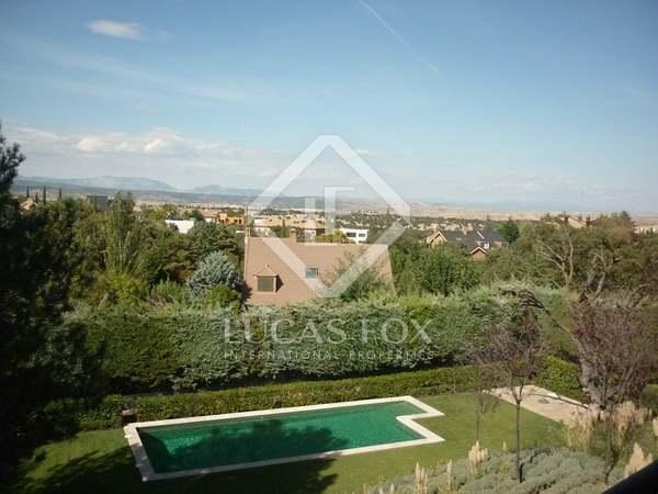 Дом / Вилла 900m² на продажу в Сьюдалькампо, Мадрид