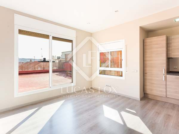 63 m² penthouse with 72 m² terrace for sale in Eixample Left