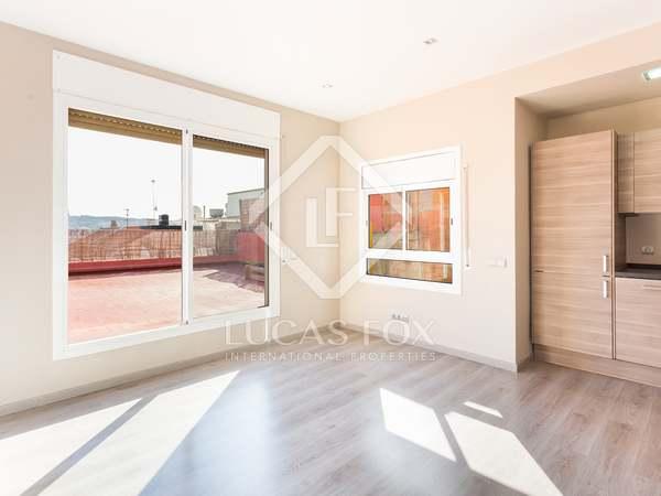 Penthouse van 63m² te koop met 72m² terras in Eixample Links