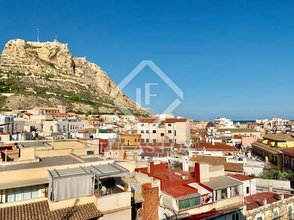 230m² Apartment with 16m² terrace for sale in Alicante ciudad