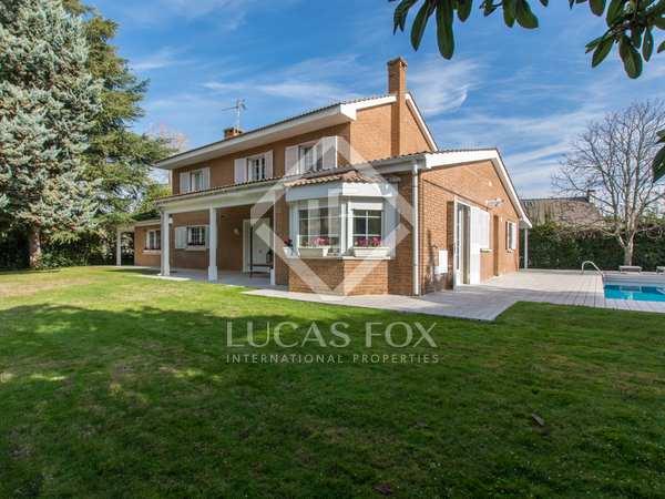 Huis / Villa van 390m² te koop in Pozuelo, Madrid