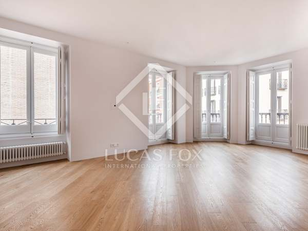 182m² Apartment for sale in Justicia, Madrid