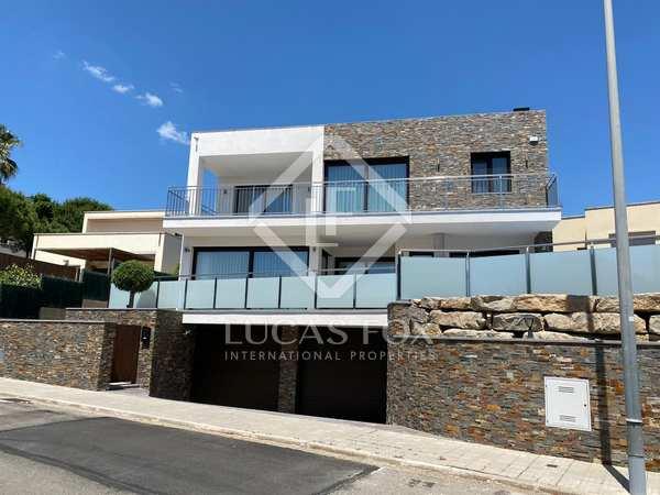 Дом / Вилла 523m² на продажу в Sant Feliu, Коста Брава
