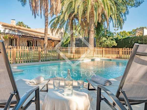 749m² House / Villa for sale in Paterna, Valencia