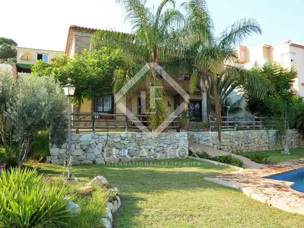 Casa / Villa de 292m² en venta en Málaga Este, Málaga