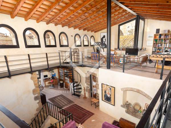 752m² House / Villa with 5,000m² garden for sale in Alt Empordà