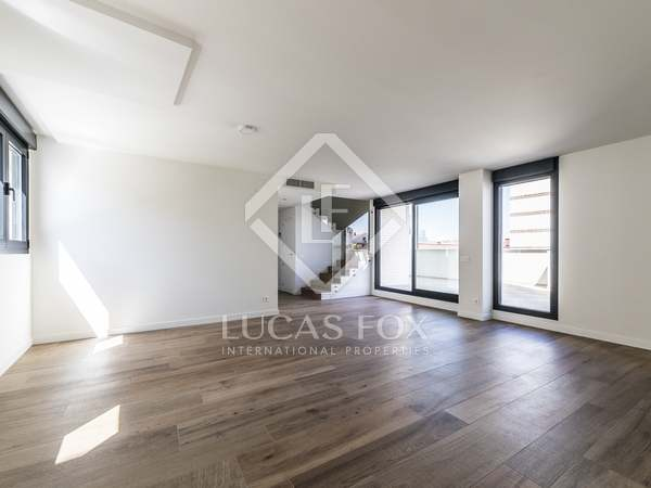 194 m² penthouse with 35 m² terrace for rent in Lista