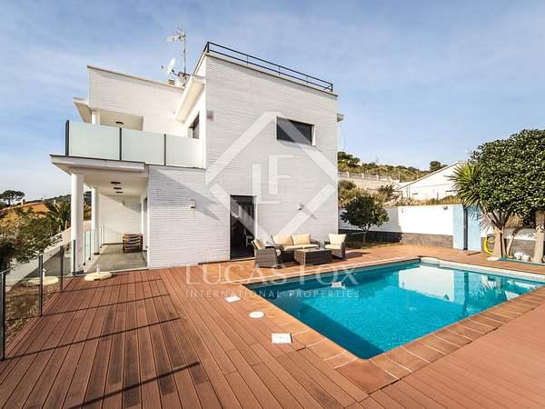 Huis / Villa van 319m² te koop in Calafell, Tarragona