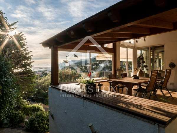Villa de 328m² en venta en Castelldefels, Barcelona