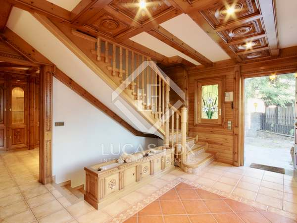 Rustic style chalet for sale in Escaldes Engordany, Andorra