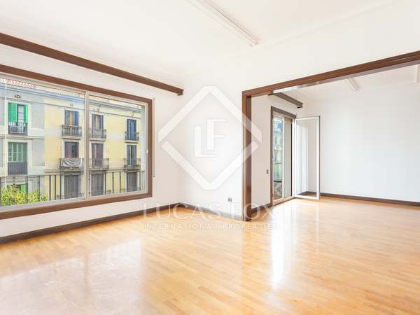 129 m² apartment with 6 m² terrace for sale in Eixample Left