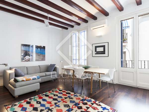 100 m² apartment with a terrace for sale in Sitges Town