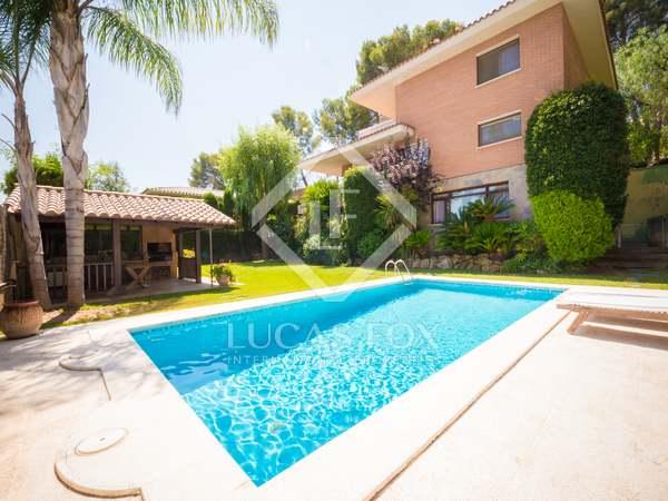 430m² Haus / Villa mit 277m² garten zum Verkauf in Castelldefels