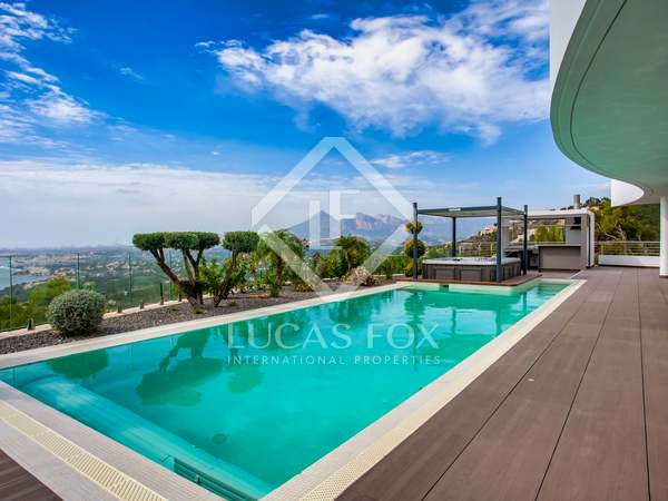 450m² House / Villa for sale in Alicante ciudad, Alicante