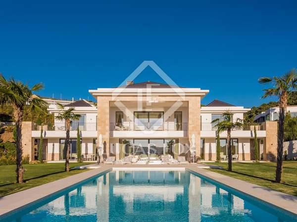 Дом / Вилла 1,300m² на продажу в Ла Сагалета, Costa del Sol