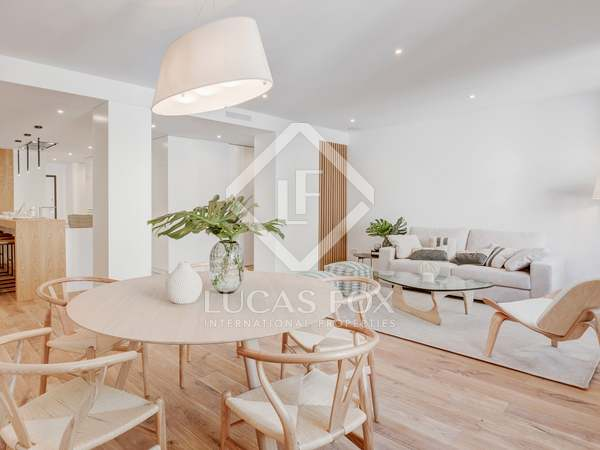 190 m² apartment for sale in Almagro, Madrid