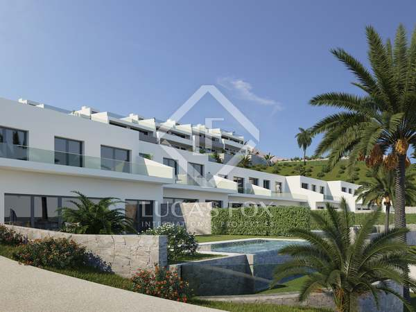 240m² House / Villa with 94m² garden for sale in Finestrat
