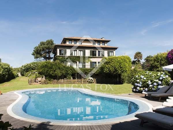 Casa / Villa de 836m² en venta en Pontevedra, Galicia