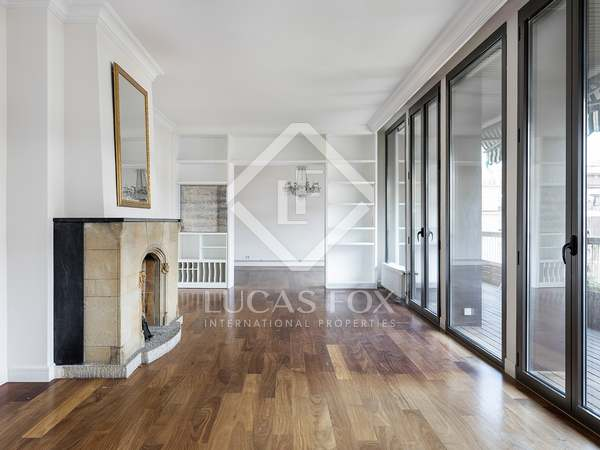 Appartamento di 240m² con 20m² terrazza in affitto a Sant Gervasi - Galvany
