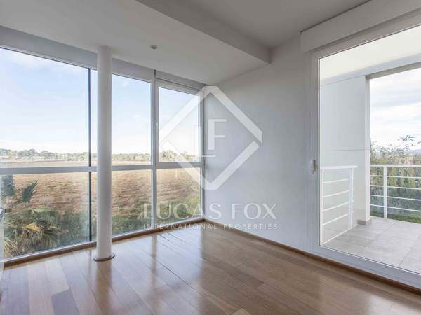 323 m² house for rent in Godella / Rocafort