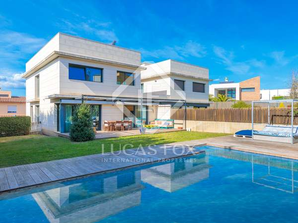 247m² House / Villa for sale in Girona City, Girona