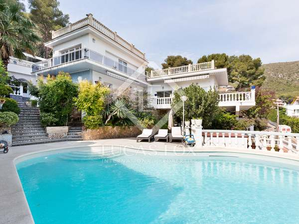 430m² House / Villa for sale in Bellamar, Barcelona