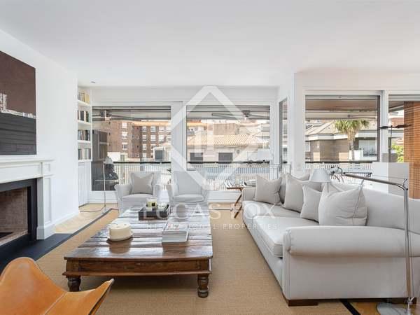 appartement van 163m² te koop met 27m² terras in Tres Torres