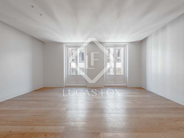 177m² Apartment for sale in Justicia, Madrid