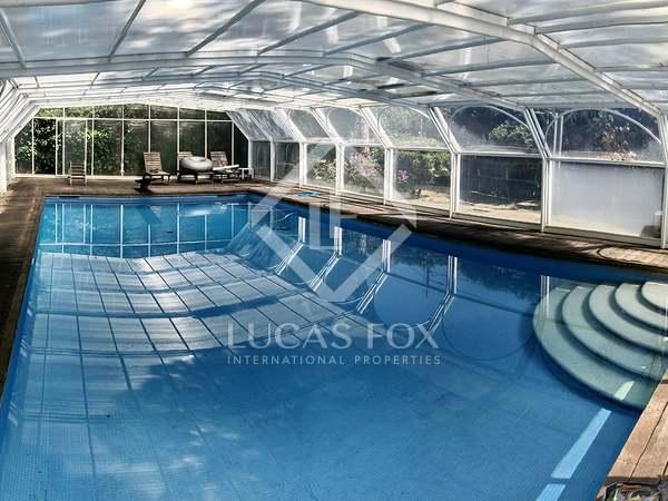 Casa de 710m² en venta en Castelldefels