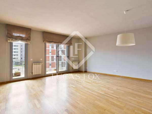 118m² Apartment with 10m² terrace for rent in Sant Cugat